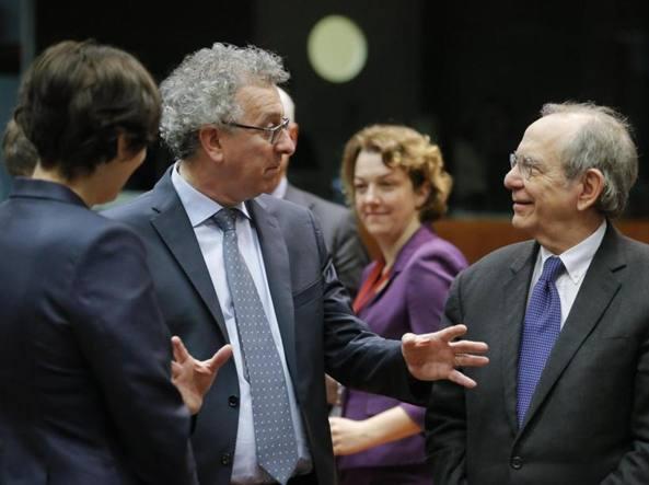 Ecofin: Pierre Gramegna,  ministro delle finanze del Lussemburgo, e Pier Carlo Padoan, il ministro italiano dell'Economia